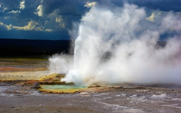 Geothermal energy: Geyser